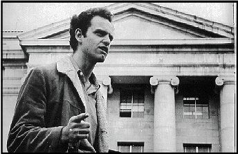 Mario Savio in front of Sproul Hall, 1964, photo by Howard Harawitz jpg (24051 bytes)
